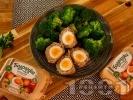 Рецепта Шотландски яйца - варени яйца обвити в кайма